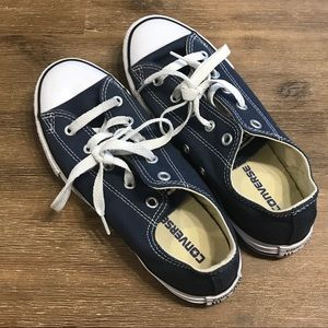 Like NEW! Converse all stars